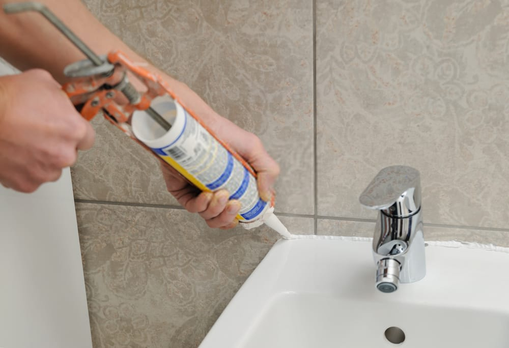 How to Caulk a Bathtub or a Shower